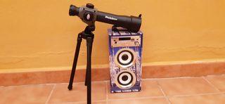 Telescopio y altavoz