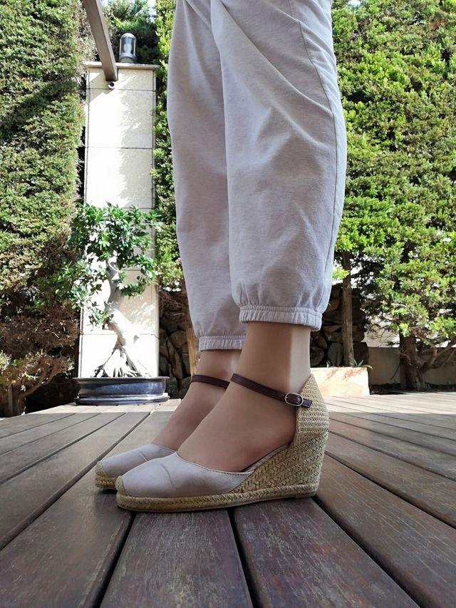 Sandalias de cuerda y piel