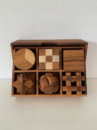 6 Rompecabezas de madera en caja