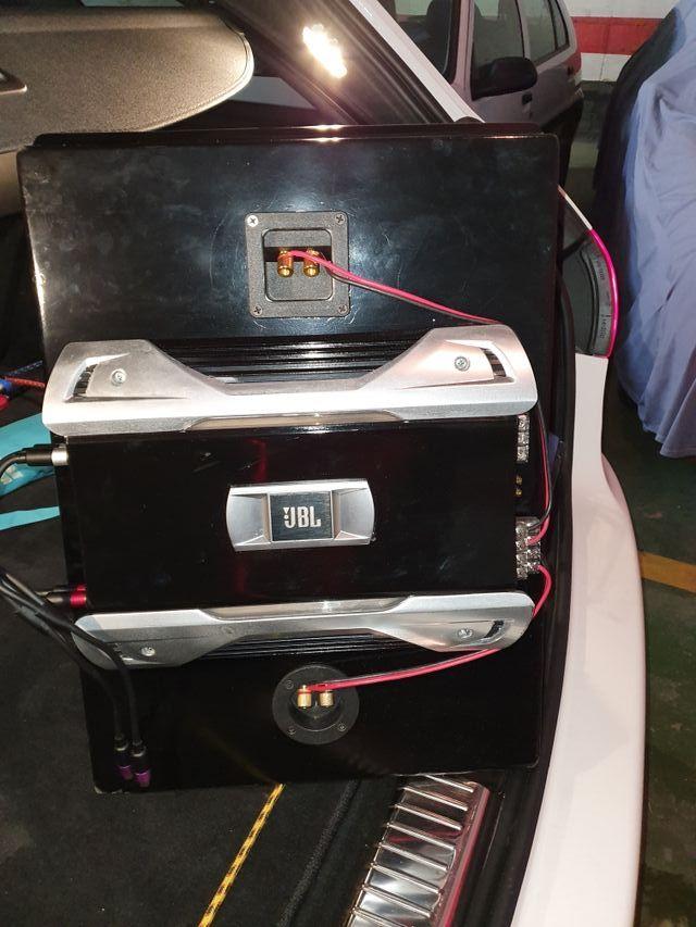 Impecable sistema de sonido JBLde 1000 W
