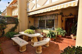 Casa adosada en venta en San Pedro de Alcántara pueblo en Marbella