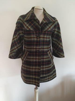 Abrigo de cuadros Zara