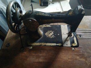 máquina de coser antigua singer con mesa