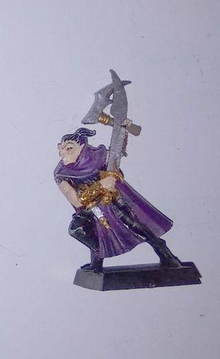 Asesino elfos oscuro con 2 armas de mano, de metal