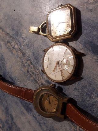 3 reloj antiguo carga manual funciona