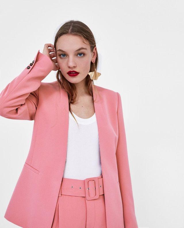 Traje rosa Zara