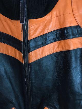 Cazadora cuero negro-naranja