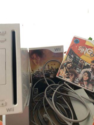 Wii sin mandos y con dos juegos