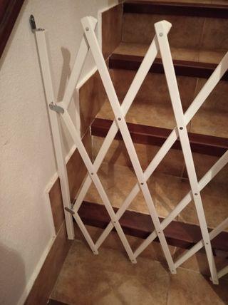 Barrera de escalera para bebés