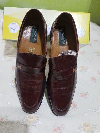 Zapatos Piel. Caballero talla 41. Nuevos.