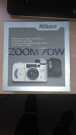 Preciosa cámara Nikon de carrete como nueva.