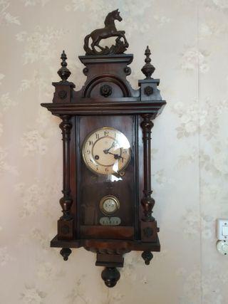 Reloj antiguo de pared marca Junghans
