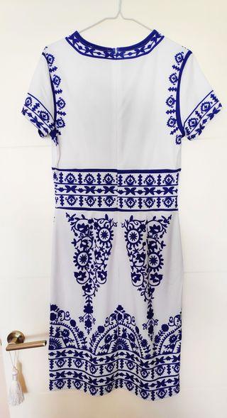 Vestido blanco talla M, estampado impreso en azul