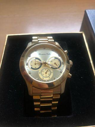 Reloj dorado de Massimo Dutti