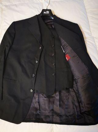 trajes seminuevos