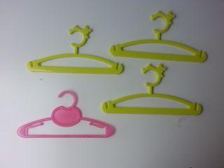 (813) Lote 4 perchas infantiles