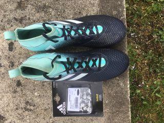 Crampon Adidas en fer avec un paquet offert