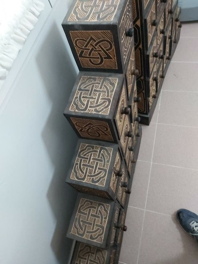 Mueble cajonera madera artesanal
