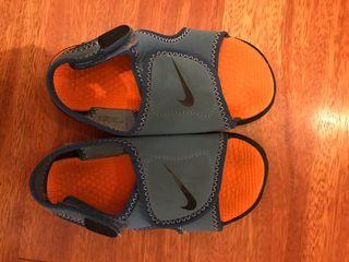 Sandalias piscina Nike