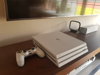 PS4 Play Station 4 Pro Blanca (4k)