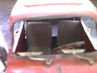 MAQUETA SEAT 600 ROJO MATERIAL DE HIERRO