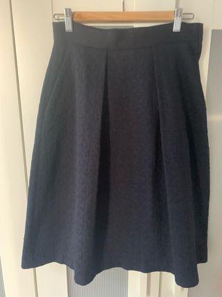 Falda midi color azul marino