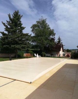 montaje cubierta de barras piscina