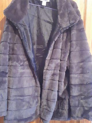 2 abrigos nuevos sin usar