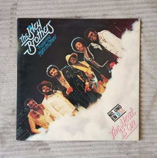 VINILO. The Isley Brothers - The heat is on (1975)