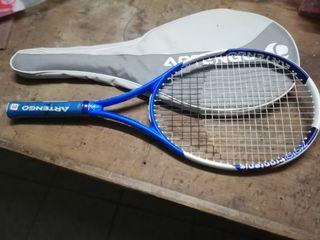 raqueta fron tenis