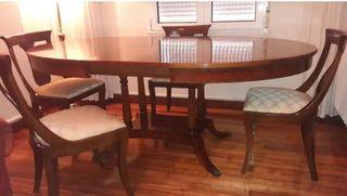 REBAJADO Conjunto mesa y cuatro sillas nogal