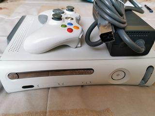 XBOX 360 con Disco Duro, mando y juegos