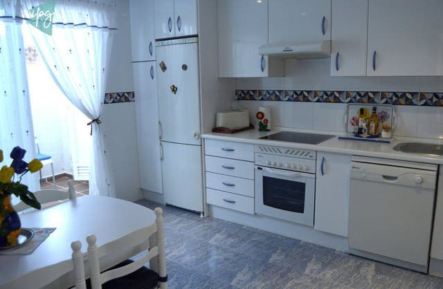 Adosada en selwo (Resinera Voladilla, Málaga)
