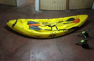 Kayak piragua mar río