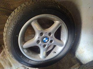 se vende 4 llantas BMW 15 pulgadas