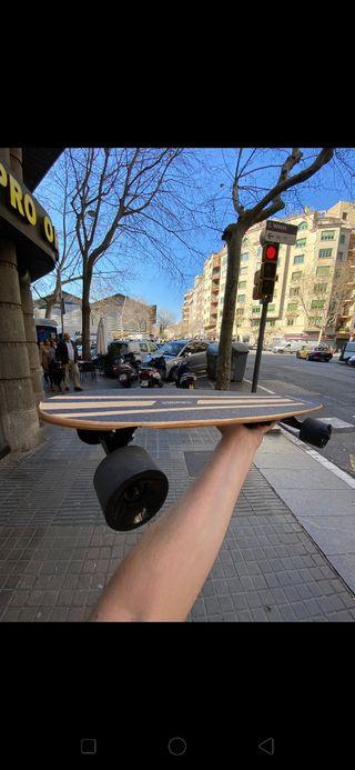 Skate eléctrico con mando bluetooth