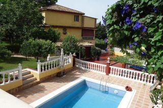Villa en venta en Puerto Banús en Marbella