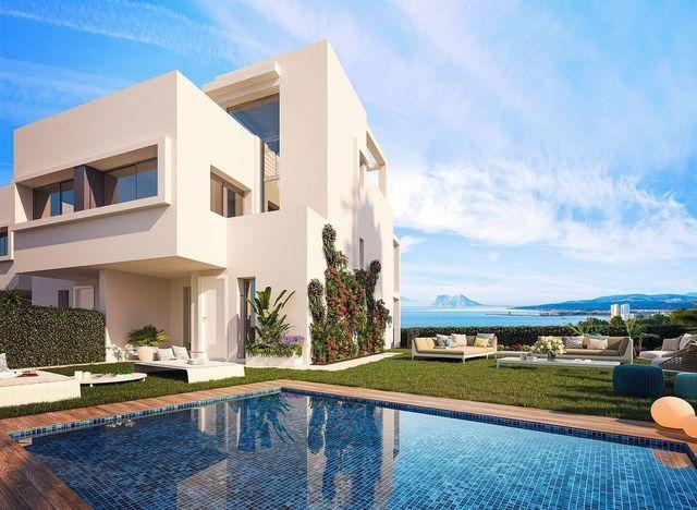 Casa adosada en venta en Casares (Bahía de Casares, Málaga)