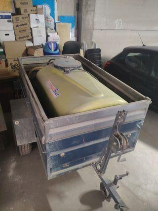 Cuba de 700 litros con remolque