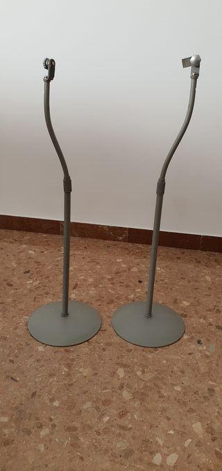 Soportes de pie para altavoces