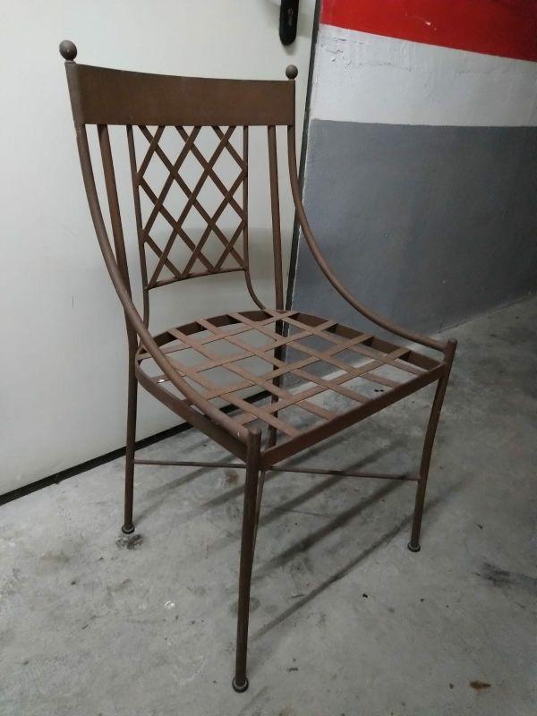 Mesa de terraza y sillas