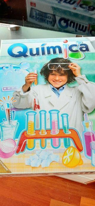 Juego química semi nuevo.Clementoni.