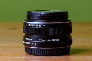 Olympus 17mm 1.8