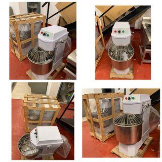 Amasadora industrial nueva de 30 litros