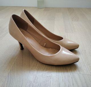 Zapatos nude Zara charol
