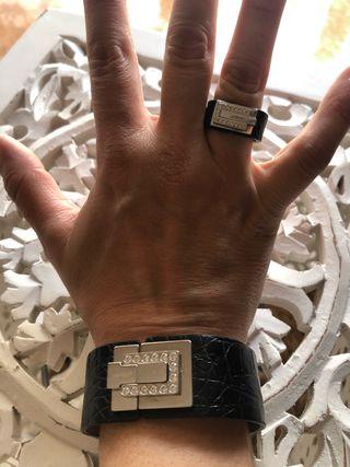 Pulsera y anillo Swatch