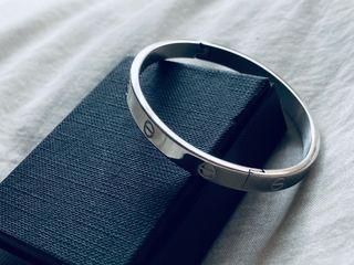 Pulsera tipo Love de Cartier