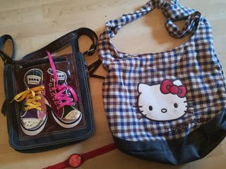 dos bolsos bandolera hello kitty y converse