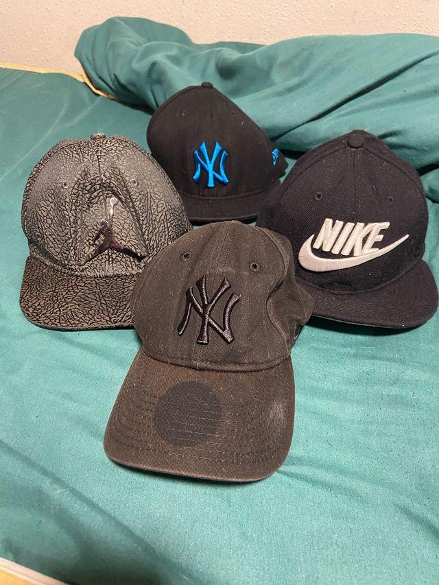 Pack gorras de marca