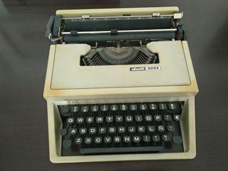 2 Máquinas de escribir